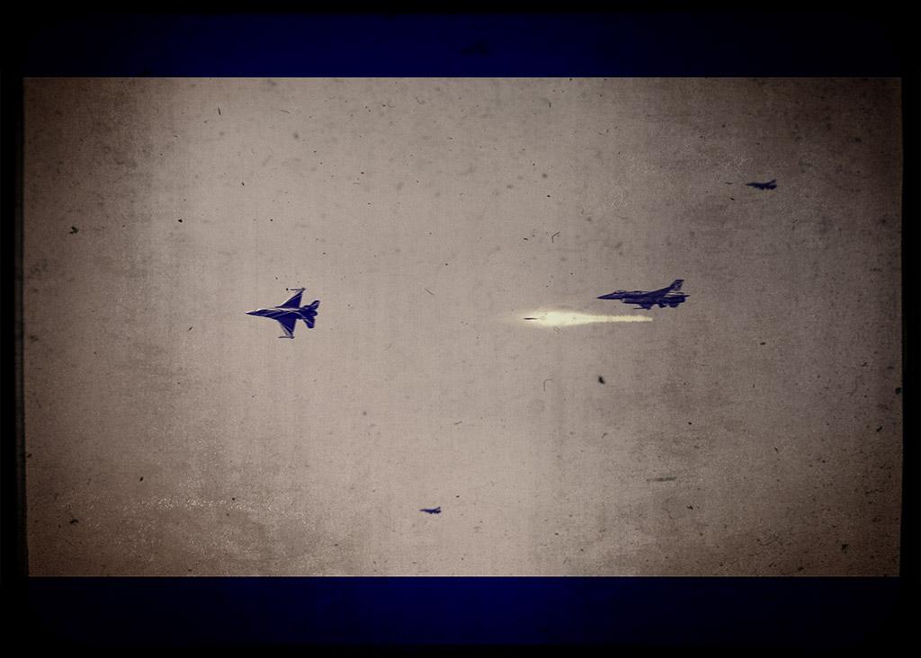 Ψηφιακή Αερομαχία - Photo Manipulation Μάθημα Photoshop - Τελικό Αποτέλεσμα με χρήση του onOne Perfect Effects 9